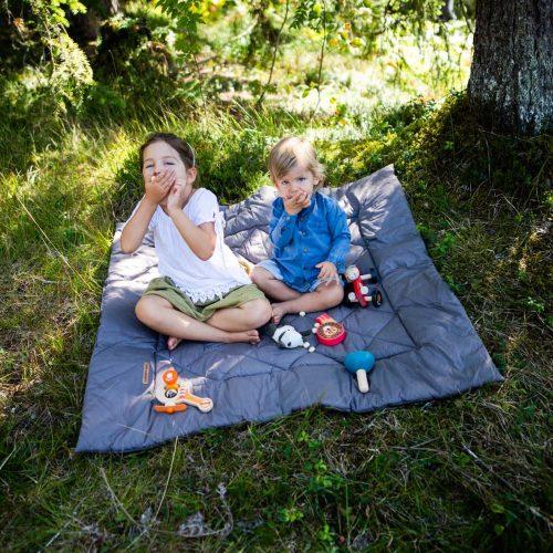 picknickbild von geschwistern zur firmengeschichte von anne katharina