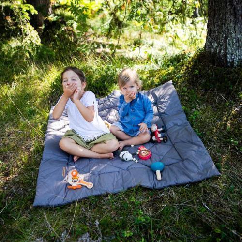 Krabbeldecken, Picknick unter Geschwistern